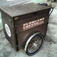 Foto tomada en Pushcart Coffee por Soundz O. el 9/1/2013