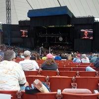 Foto tomada en Shoreline Amphitheatre por Michael M. el 10/21/2012