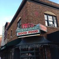 9/19/2013 tarihinde André P.ziyaretçi tarafından Fox and Hounds Lounge'de çekilen fotoğraf