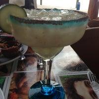 Foto tomada en Taco y Tequila por Marina S. el 3/13/2013
