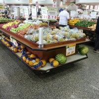 Foto tirada no(a) Sonda Supermercado por Eduardo J. em 3/24/2013