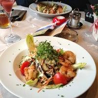 Das Foto wurde bei Restaurant Hotel Sonne von Salima K. am 3/29/2013 aufgenommen