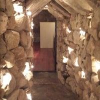 Foto scattata a The Cave Bar at Omni Mt. Washington da Tom c. il 6/30/2013
