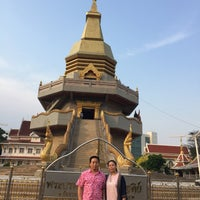 Photo taken at Wat Phothisomphon by Ladyjumper on 4/13/2018