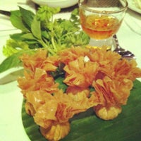 Photo taken at Palm Cuisine by Chong R. on 11/12/2012