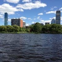 รูปภาพถ่ายที่ Charles River โดย shadia k. เมื่อ 6/7/2013