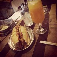 Photo taken at Restaurante Pizzaria e Chopperia Makey by Jonathan B. on 11/18/2013