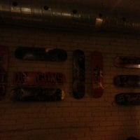 Foto tirada no(a) Pizzeria Defina por Nick M. em 12/16/2013