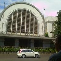 Photo taken at Taman Stasiun Kota by SUTRISNO Patian C. on 4/21/2014