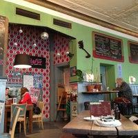 รูปภาพถ่ายที่ Café Klatsch โดย Stefan P. เมื่อ 3/21/2013