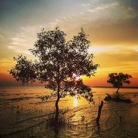Photo taken at Pantai Kelanang by Halimi Siefer H. on 5/18/2013