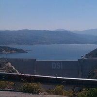 7/29/2013 tarihinde Elif F.ziyaretçi tarafından Çine Baraji seyir tepesi'de çekilen fotoğraf
