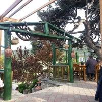 4/26/2013 tarihinde Erkan z.ziyaretçi tarafından Çamlı Kahve'de çekilen fotoğraf