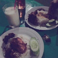 "Photo taken at Ayam Bakar ""Tantene"" - Pabuaran by Hanifah Risky F. on 3/30/2013"