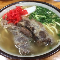 Photo taken at 沖縄の味 アワセそば食堂 by Kei Y. on 10/13/2016