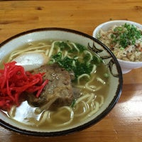 Photo taken at 沖縄の味 アワセそば食堂 by Kei Y. on 10/21/2014