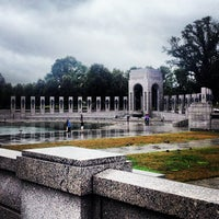 Foto tirada no(a) World War II Memorial por Terry L. em 10/11/2013