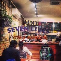 Foto tirada no(a) Seven Lives Tacos Y Mariscos por Terry L. em 10/5/2013