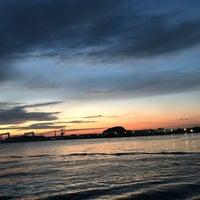 Foto diambil di 金沢八景 忠彦丸 釣船・釣宿 oleh Yu I. pada 12/4/2017