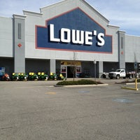 Lowe S Home Improvement Hardware Store