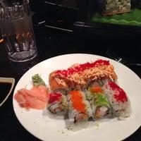 Photo prise au Tasu Asian Bistro Sushi & Bar par Corey O. le10/18/2013