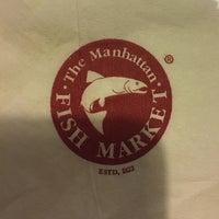 Foto tirada no(a) The Manhattan Fish Market por Fanny L. em 7/25/2018