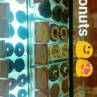 Photo taken at Mad Over Donuts by Prateek D. on 2/17/2016