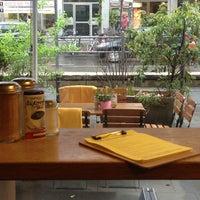 Das Foto wurde bei cafecafe von Stefanie am 5/16/2013 aufgenommen
