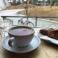 Das Foto wurde bei Cargo Coffee + Vegetarian Food von Oxana H. am 8/19/2018 aufgenommen
