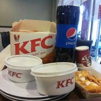 Photo taken at KFC by Mazsuri R. on 6/30/2016
