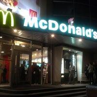 Снимок сделан в McDonald's пользователем Oleg K. 9/22/2012