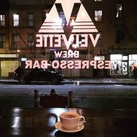 Foto tomada en Velvette Brew por Thomas Wilhelm F. el 1/1/2018