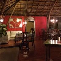 Foto tirada no(a) Restaurante Hibiscus por Rony C. em 6/12/2016