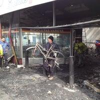 Photo taken at Bicicletas Vargas by Claudio H. on 8/23/2013