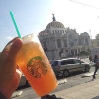 Foto tomada en Starbucks Coffee por Yutzil S. el 8/15/2016
