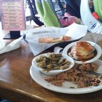 รูปภาพถ่ายที่ Woody's BBQ โดย Eden G. เมื่อ 4/9/2013