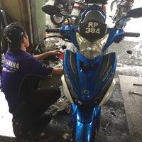Photo taken at Kedai Motosikal Hweng Ho Motor by alif farhan k. on 4/1/2017