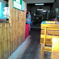 Photo taken at แพรวา อาหารตามสั่ง by F I N E A. on 4/26/2015