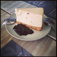 Foto tomada en Carrot Café por Marcos A. el 2/14/2013