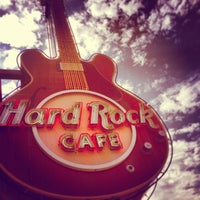 Photo taken at Hard Rock Cafe Memphis by Dean S. on 7/14/2013