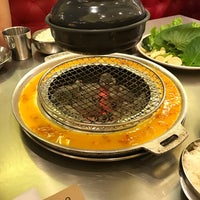 Foto tomada en Mapogalmaegi Korean BBQ por Ivan R. el 3/26/2017