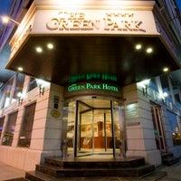 Das Foto wurde bei The Green Park Taksim Hotel von The Green Park Hotels & Resorts am 3/8/2013 aufgenommen