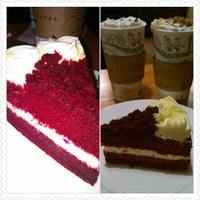 Photo taken at Caribou Coffee by Obet L. on 10/27/2013
