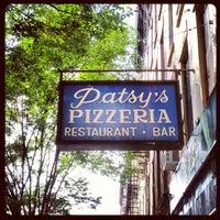 Photo prise au Patsy's Pizza - East Harlem par Anthony B. le9/27/2012