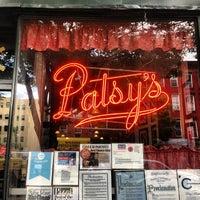 Photo prise au Patsy's Pizza - East Harlem par Anthony B. le7/3/2013