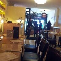 Foto tomada en Restaurant Cent Focs por Carl M. el 5/14/2013