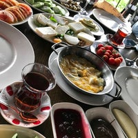 "Foto tirada no(a) Hilmi Beken Restaurant por ""Derya"" em 3/4/2018"