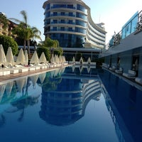 Das Foto wurde bei Q Premium Resort Hotel Alanya von Cem E. am 6/14/2013 aufgenommen