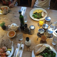 Photo taken at Le Pain Quotidien by Astrid M. on 9/18/2014