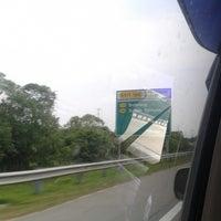 Photo taken at Highway Behrang (Lebuhraya Utara-Selatan) by Fendy S. on 9/18/2014